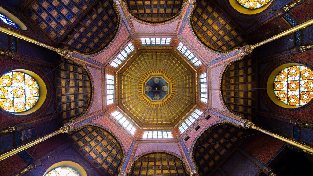 Sinagoga de calle Rumbach en Budapest.