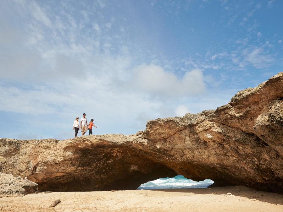 Formaciones rocosas en la costa de Aruba