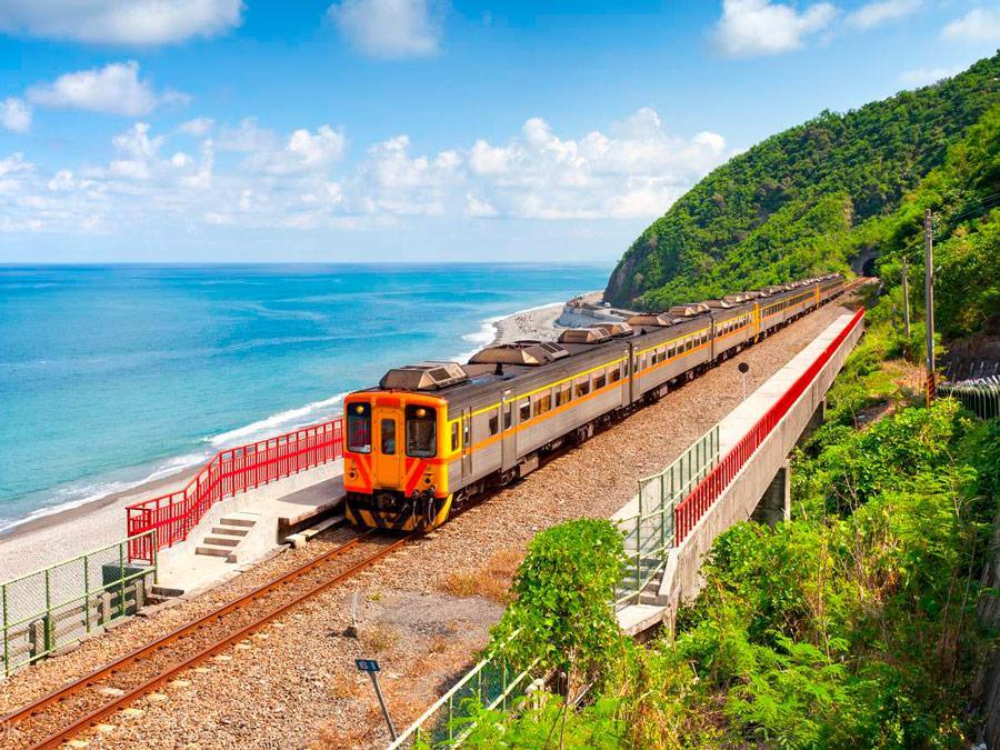 Trenes por la costa de Taiwan