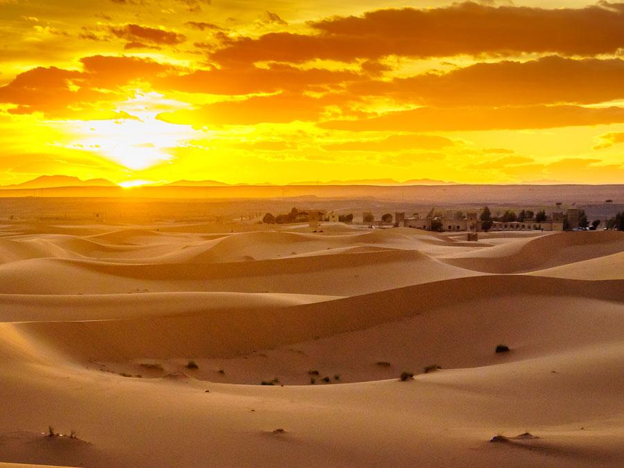 Vista del desierto en Erfoud, Marruecos