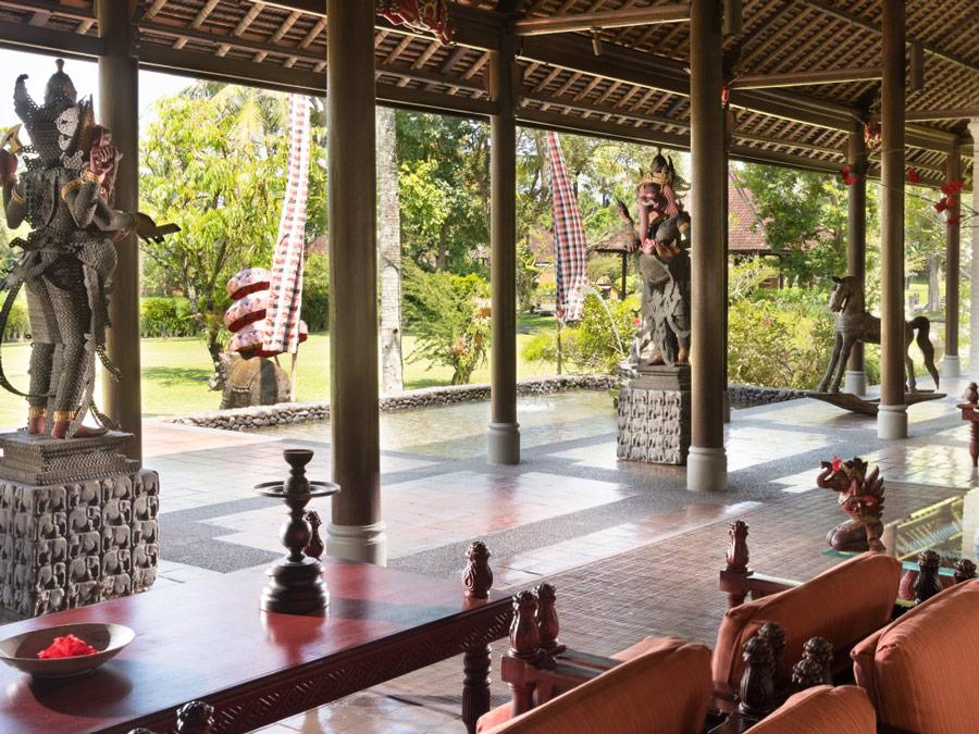 Obras de arte en el lobby del Chedi Club Tanah Gajah, Bali, Indonesia