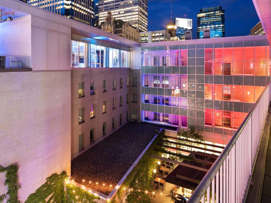 Vista de la galeria de arte en Le Méridien Chambers Minneapolis, Estados Unidos