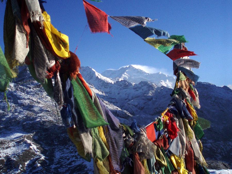 Vista de montañas Kanchendzonga, Sikkin, India