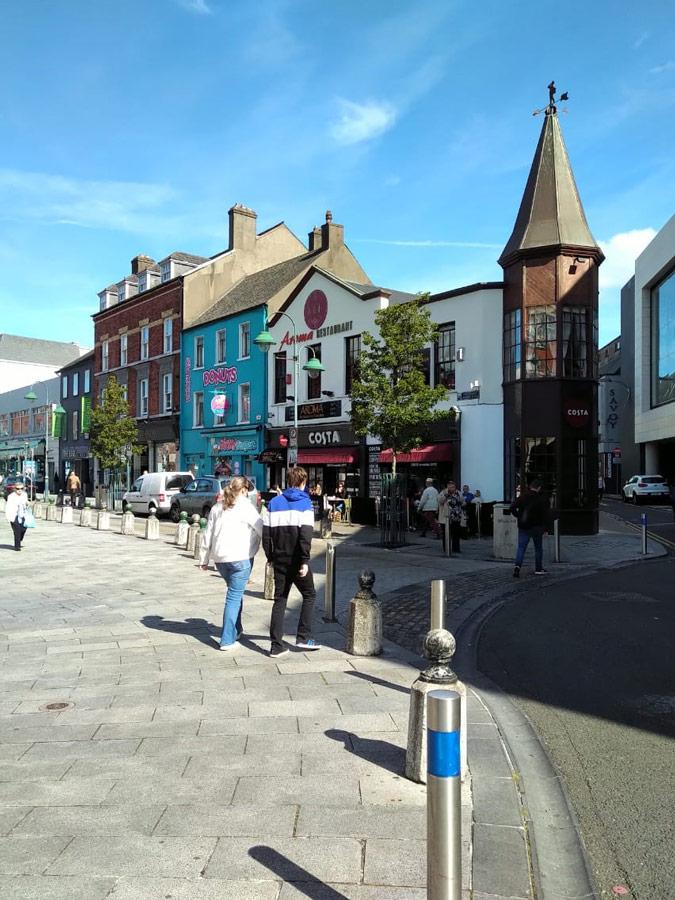 Calles de Cobh en Irlanda