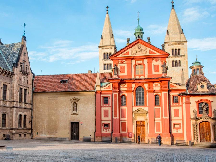 Basilica de St George (San Jorge) Castillo de Praga