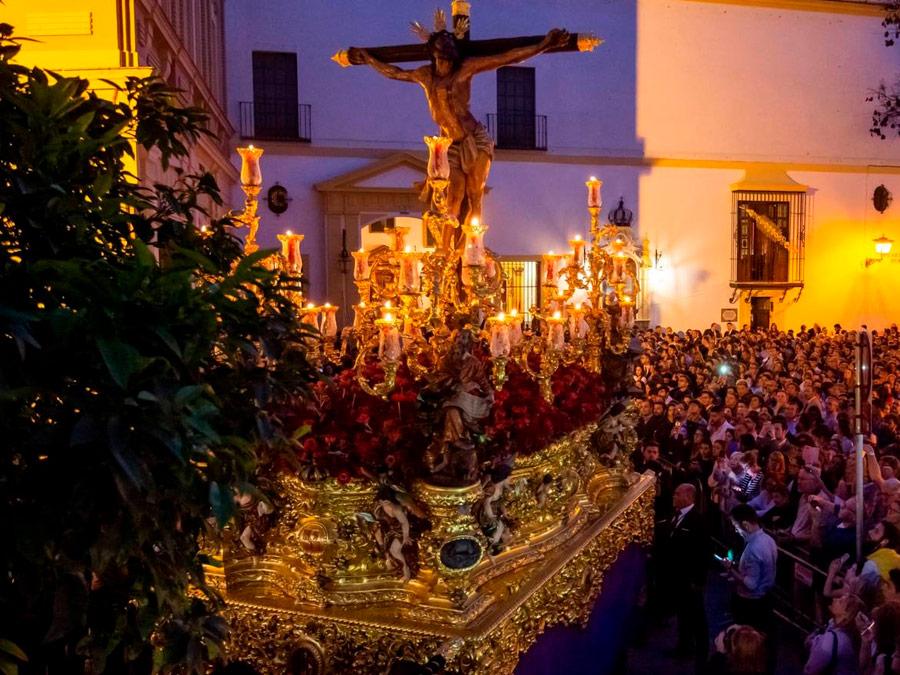 Procesiones de Semana Santa en Sevilla