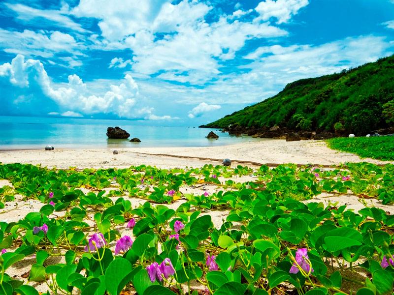 Playa de Aragusuku, Okinawa, Japón