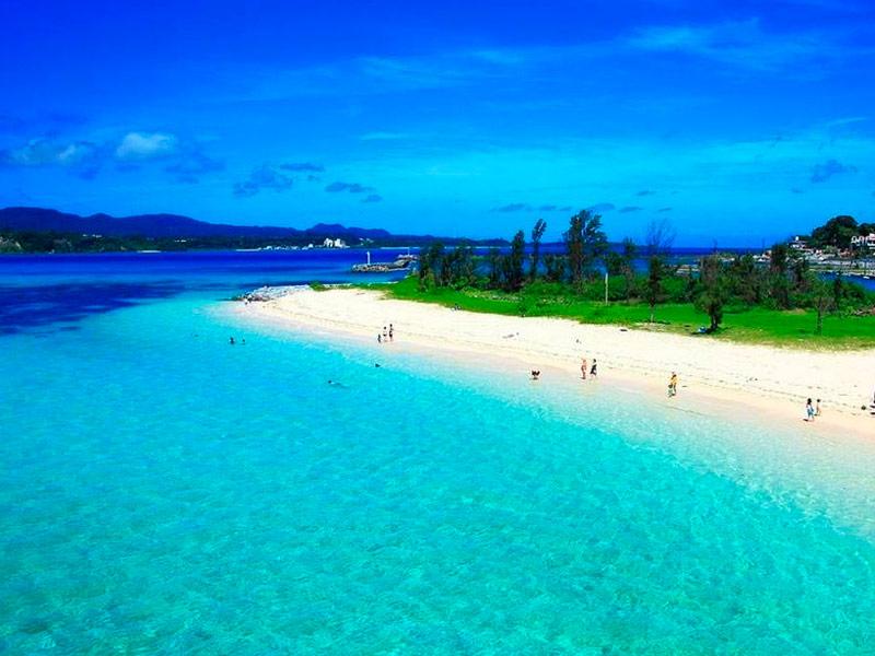 Playa Nishihara, Okinawa, Japón