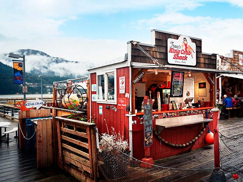 Puesto de venta de cangrejos en puerto de Juneau